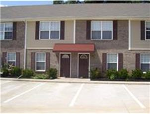 Raleigh Station apartment in Clarksville, TN